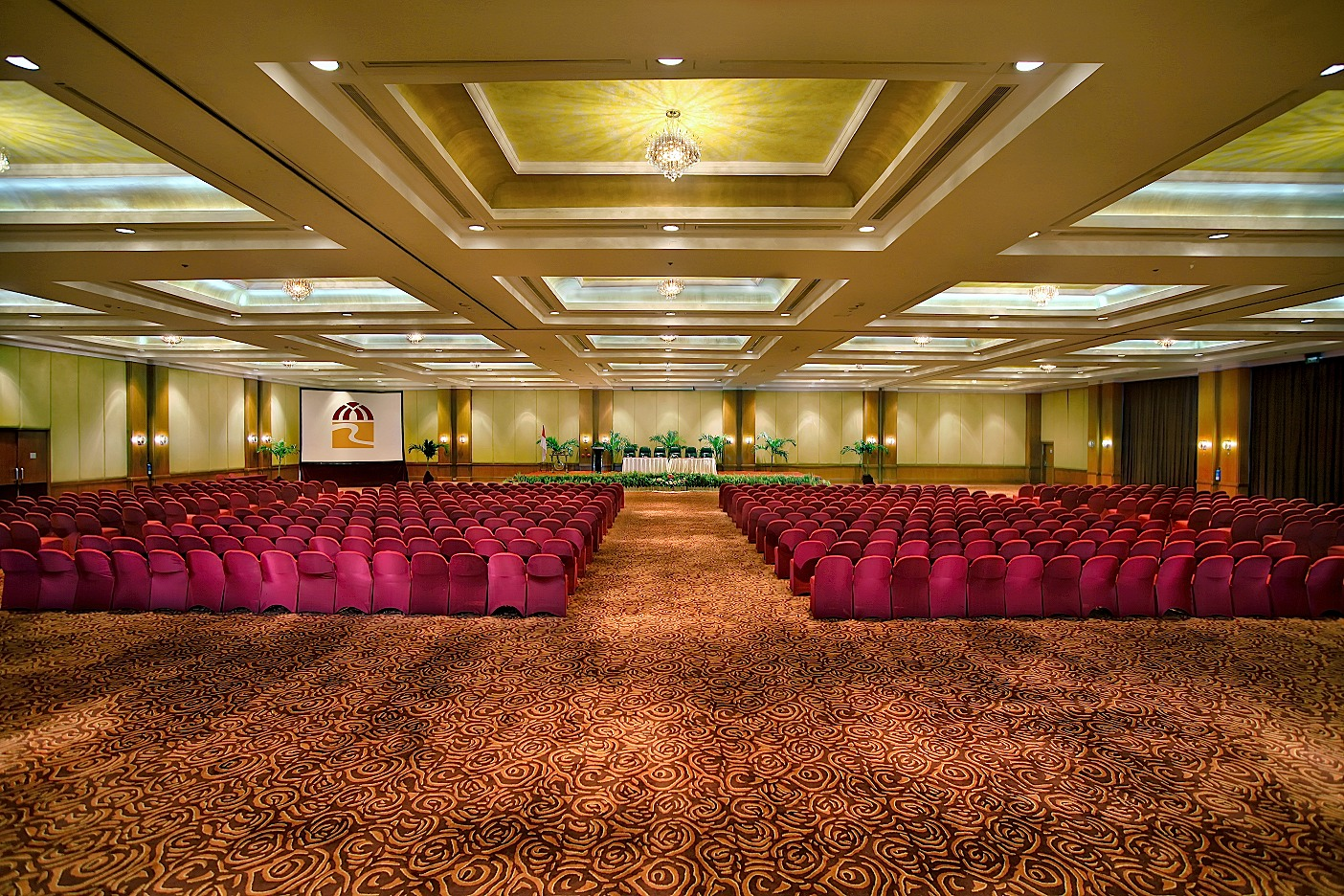 Grand Emerald Ballroom At Redtop Hotel Amp Convention Center